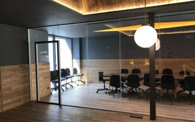 Dividir oficinas con paneles divisorios